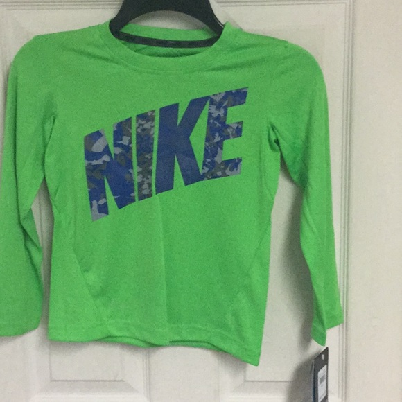NIKE NWT Youth Boys Thermal Dri Fit Long Sleeve Top Size 4 6 Hodded Logo Swoosh